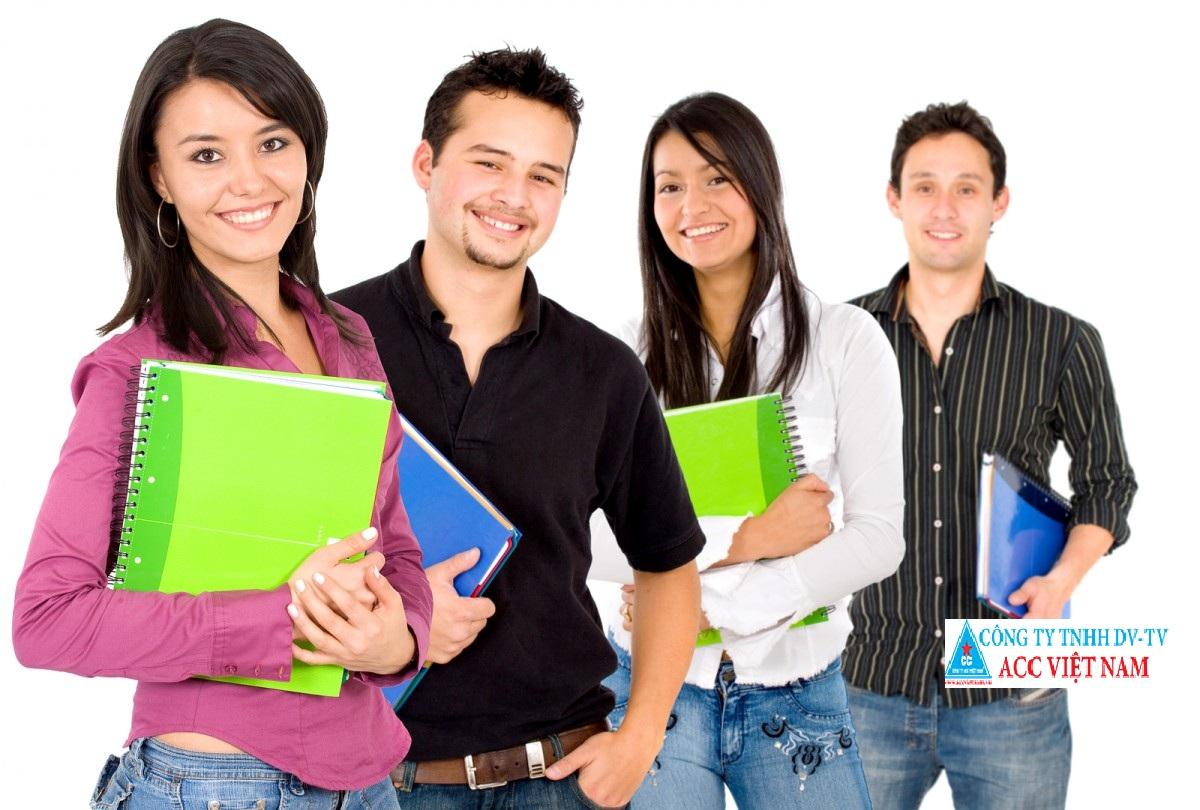 64215-Latino_student_group